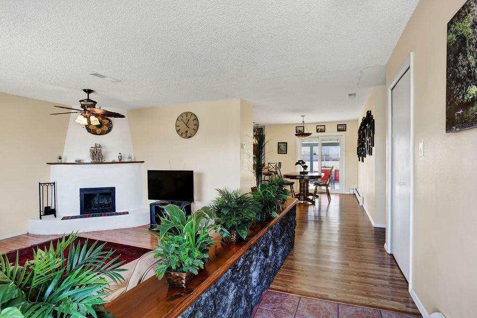 1525 33Rd Circle, Rio Rancho, NM 87124