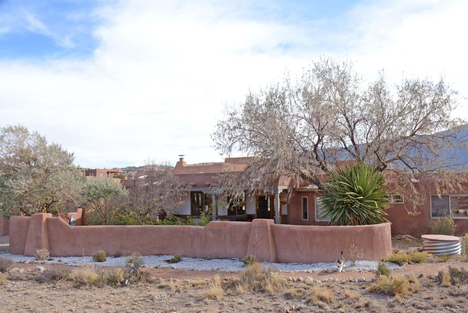 38 Arroyo Venada, Placitas, NM 87043