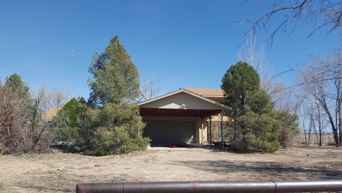 342 La Entrada Road, Los Lunas, NM 87031
