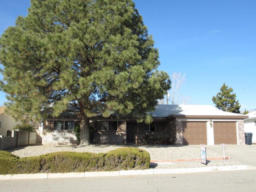 8805 Avenales Avenue NE, Albuquerque, NM 87111