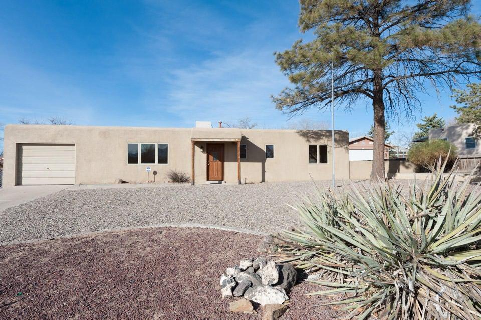 807 Cerro De Ortega Drive SE, Rio Rancho, NM 87124