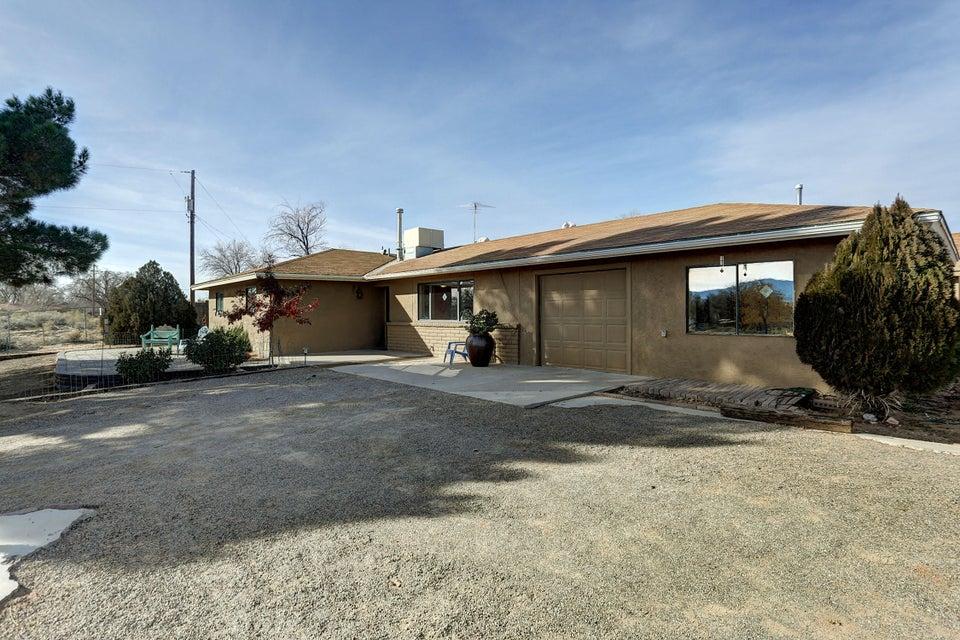 271 Academy Drive, Corrales, NM 87048