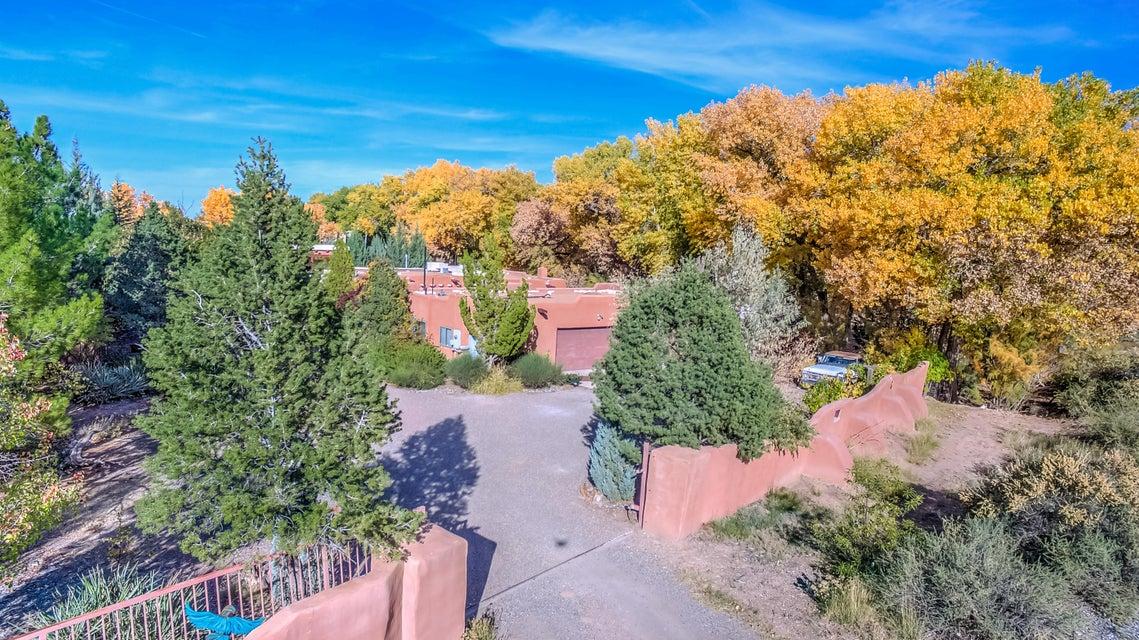6250 Winter Haven Drive, Albuquerque, NM 87120