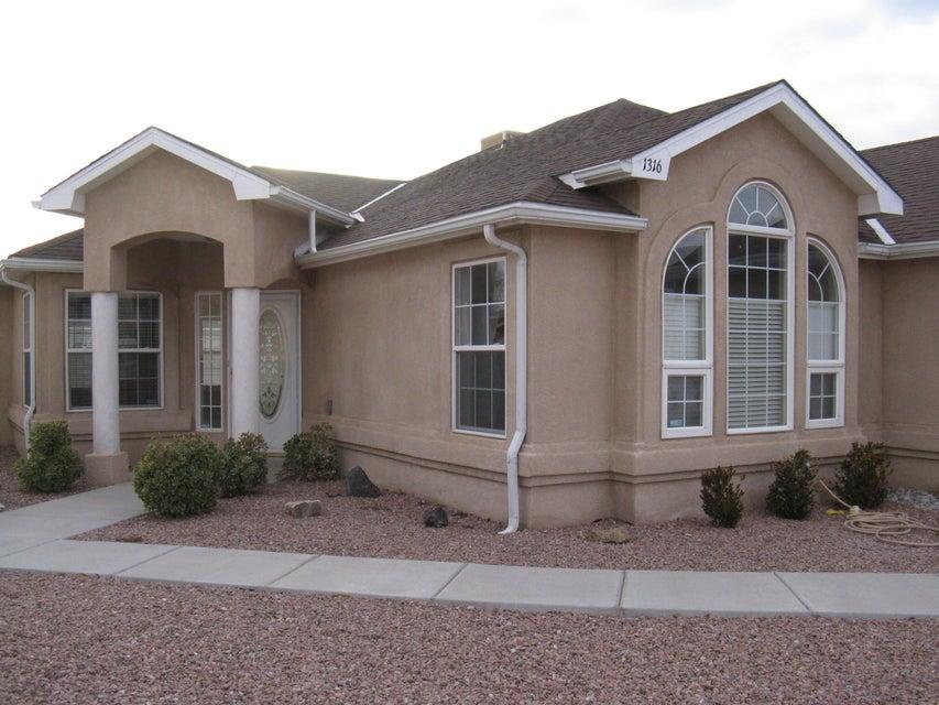 1316 Vista Centro SW, Los Lunas, NM 87031