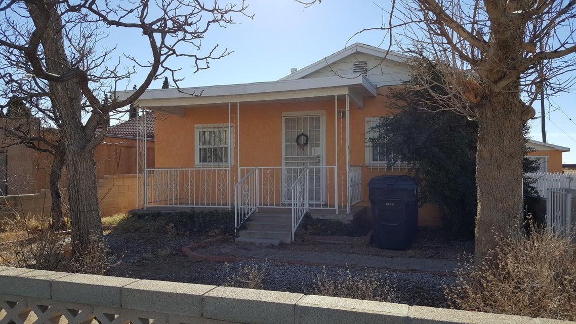 1600 Sunshine Terrace SE, Albuquerque, NM 87106