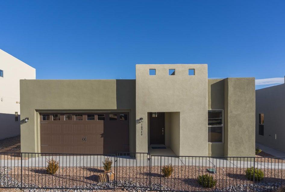 10940 Esmeralda Drive, Albuquerque, NM 87114