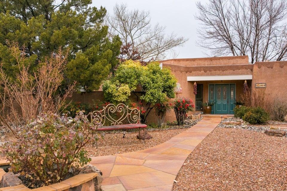 1409 Camino Ecuestre NW, Albuquerque, NM 87107