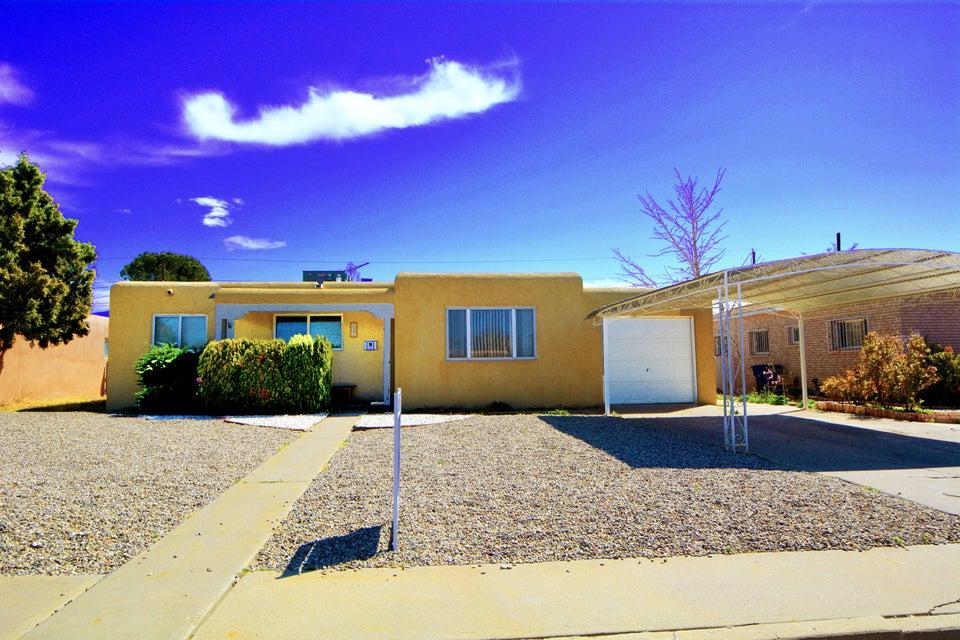 632 Dakota Street SE, Albuquerque, NM 87108