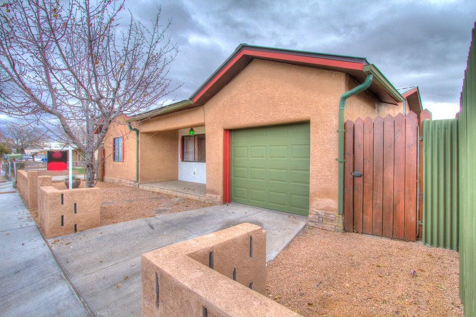2406 Edna Avenue NW, Albuquerque, NM 87104
