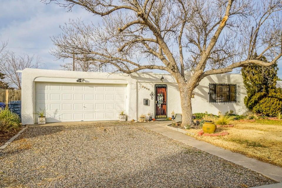 1823 Field Drive NE, Albuquerque, NM 87112