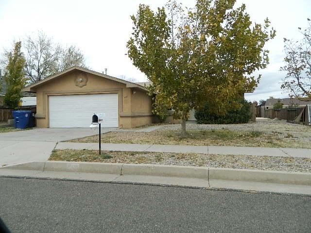 9201 Sunbow Avenue SW, Albuquerque, NM 87121