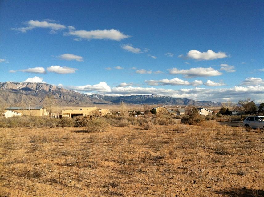 26 Villa De Paz, Corrales, NM 87048