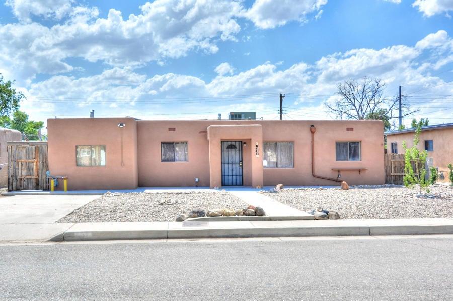 1337 Boatright Drive NE, Albuquerque, NM 87112