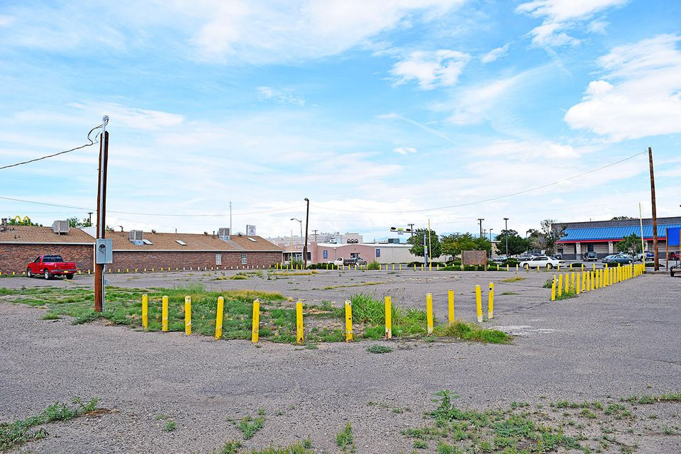 Main Street, Belen, NM 87002