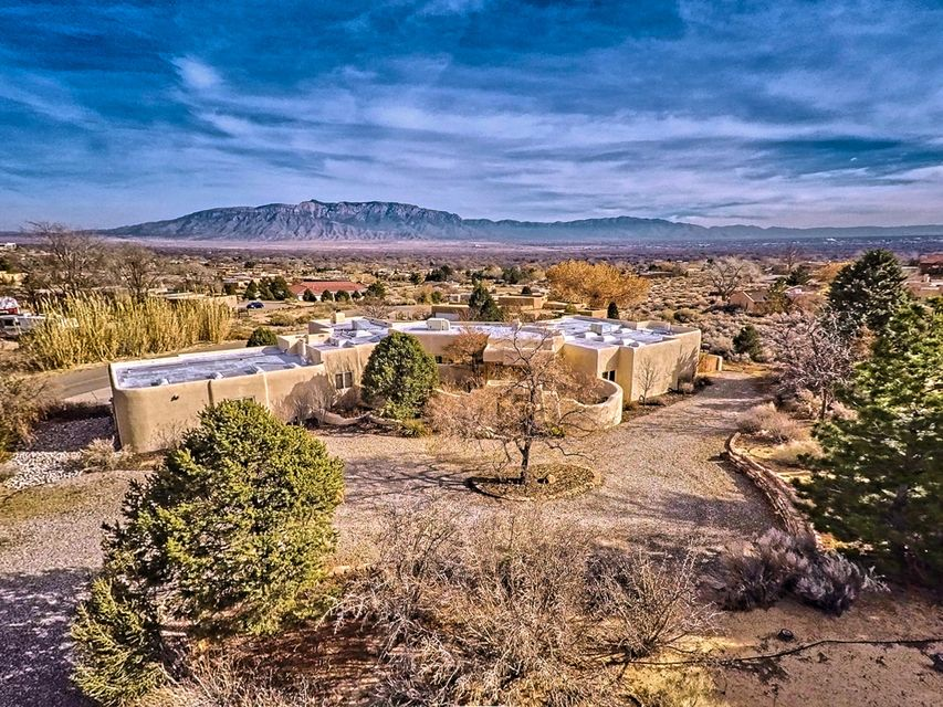 40 Hop Tree Tr., Corrales, NM 87048