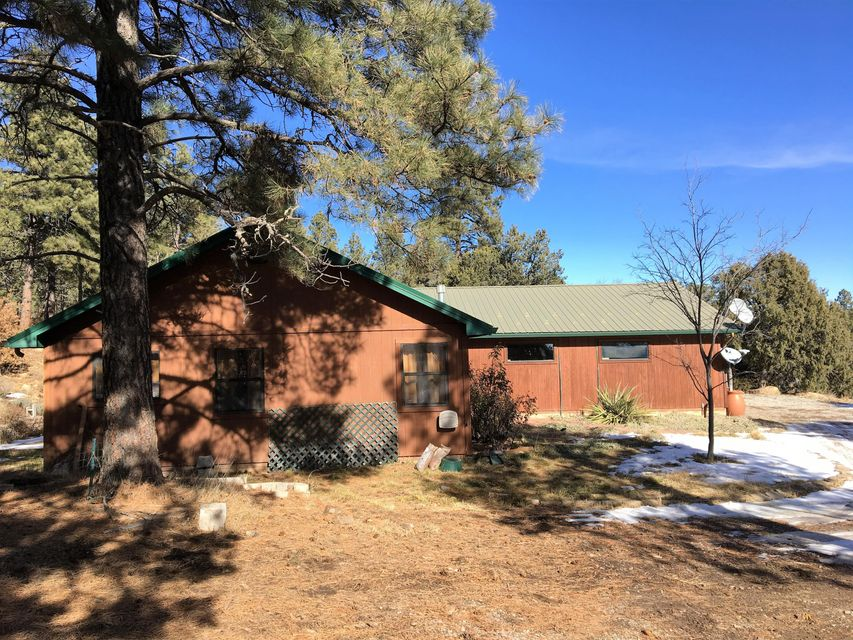 92 Nightingale Lane, Tijeras, NM 87059