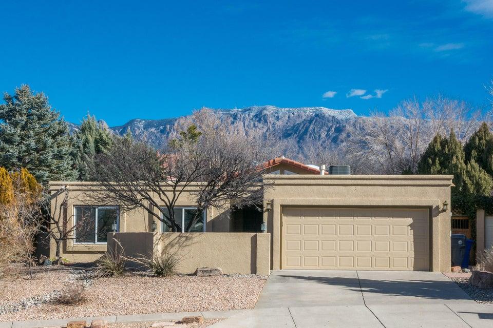 9525 De Vargas Loop NE, Albuquerque, NM 87109