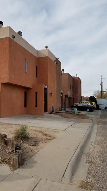 411 Tennessee SE A, Albuquerque, NM 87108