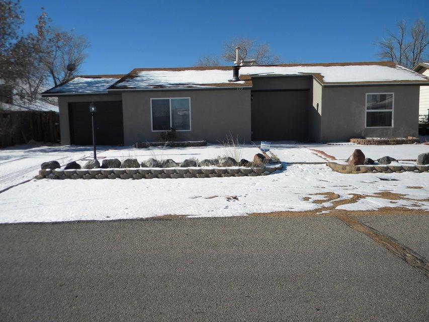 175 Darlene Road SE, Rio Rancho, NM 87124