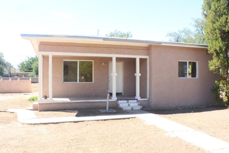 140 Velarde Road NW, Albuquerque, NM 87107