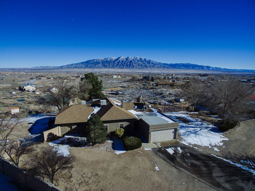 1821 Alif Road NE, Rio Rancho, NM 87144