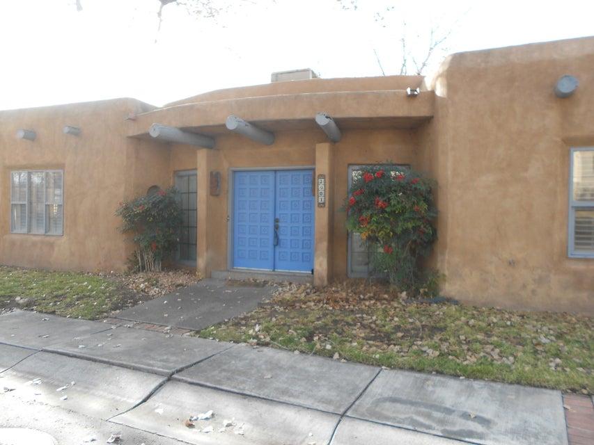 2901 Calle Grande NW, Albuquerque, NM 87104