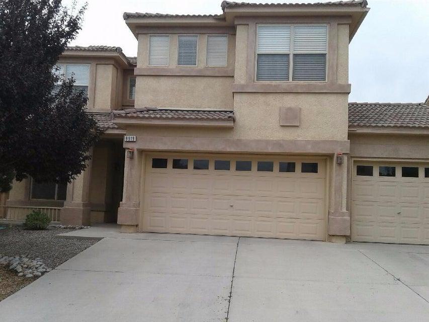 8919 Hampton Avenue NE, Albuquerque, NM 87122