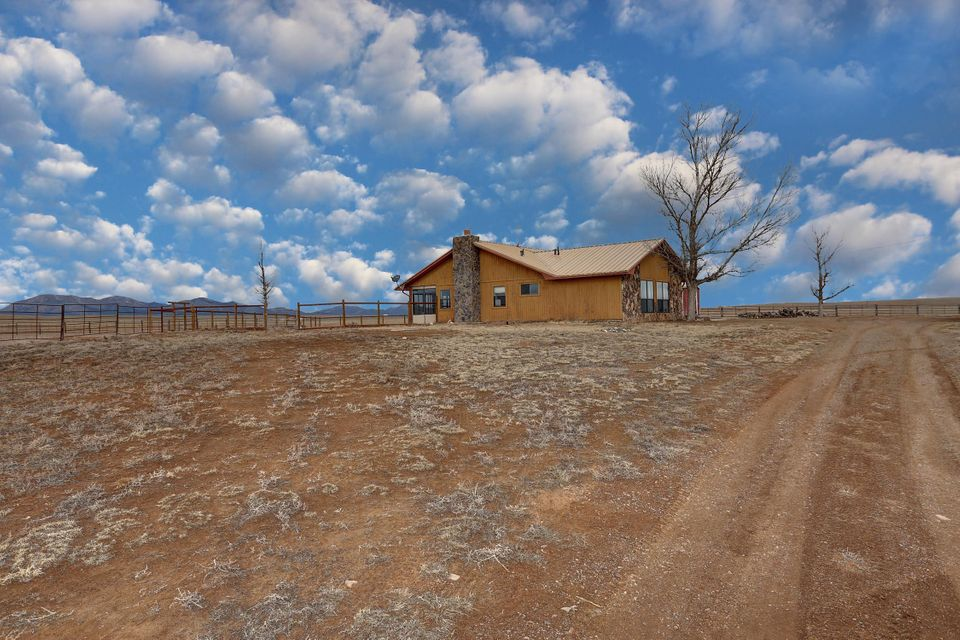400 Martin Road, Edgewood, NM 87015