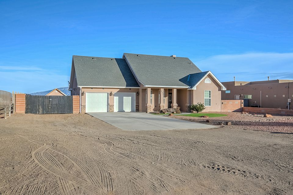 812 4th Street NE, Rio Rancho, NM 87124