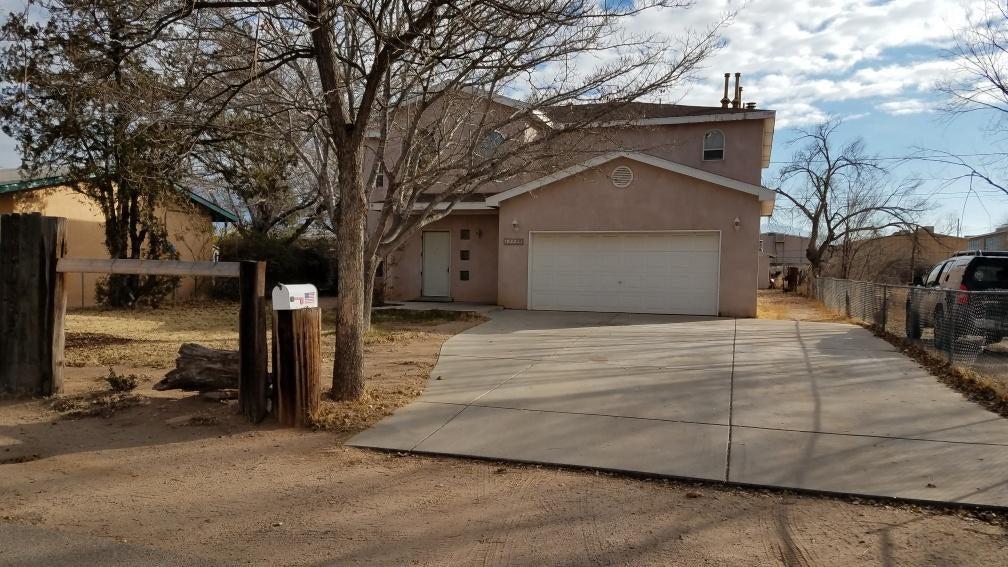 6040 Noble Drive NE, Albuquerque, NM 87107