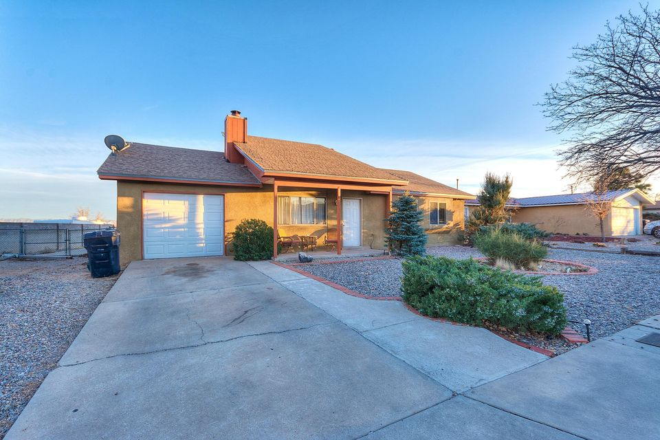 5816 Prairie Night Lane NW, Albuquerque, NM 87120
