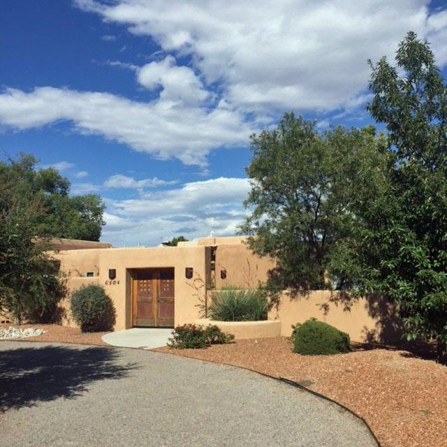 6504 Calle Candela NW, Los Ranchos, NM 87107