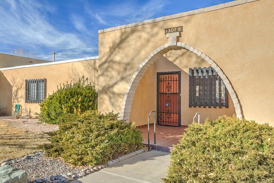 1307 Rio Rancho Drive SE E, Rio Rancho, NM 87124