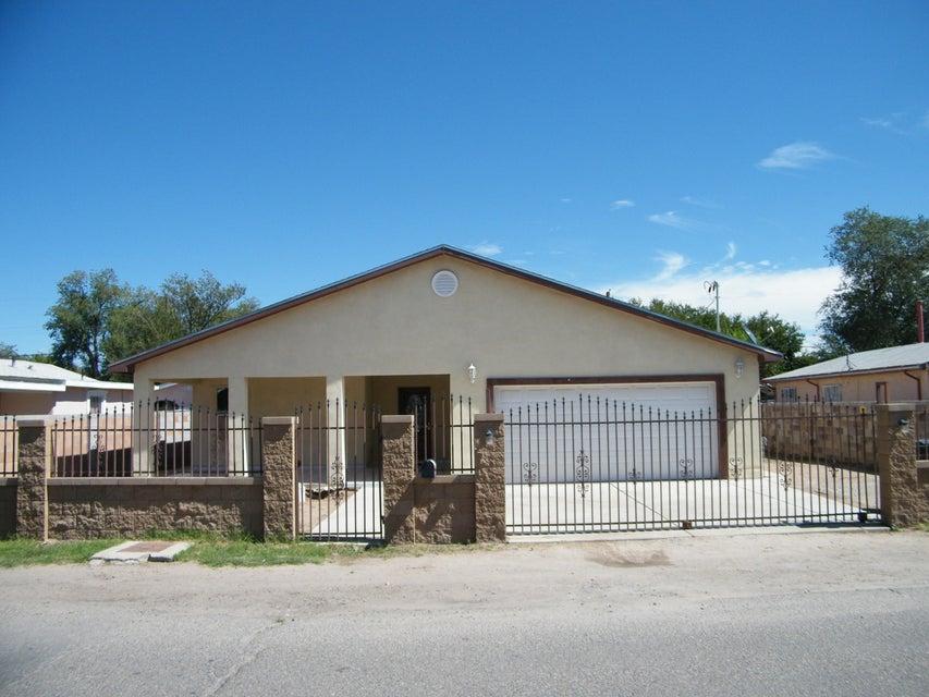 2460 Franzen Road SW, Albuquerque, NM 87105