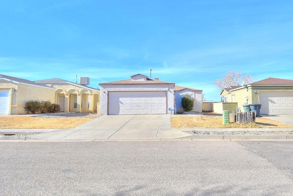 2133 High Desert Circle NE, Rio Rancho, NM 87144