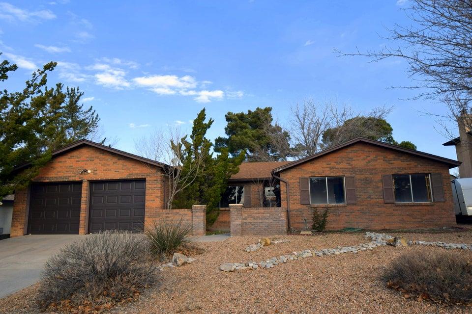 7105 Esther NE, Albuquerque, NM 87109