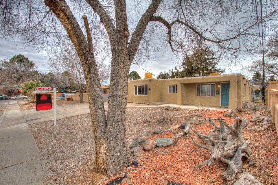 2032 Somervell Street NE, Albuquerque, NM 87112