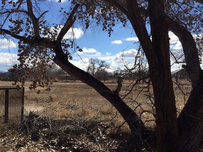 530 Camino De Suerte NW, Albuquerque, NM 87114