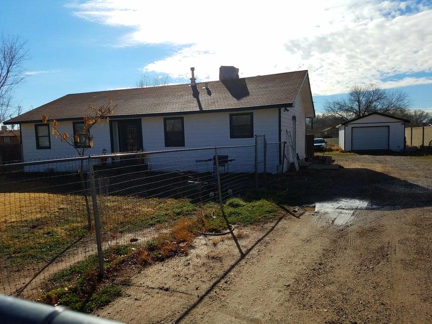 1402 Elena Circle SW, Albuquerque, NM 87105