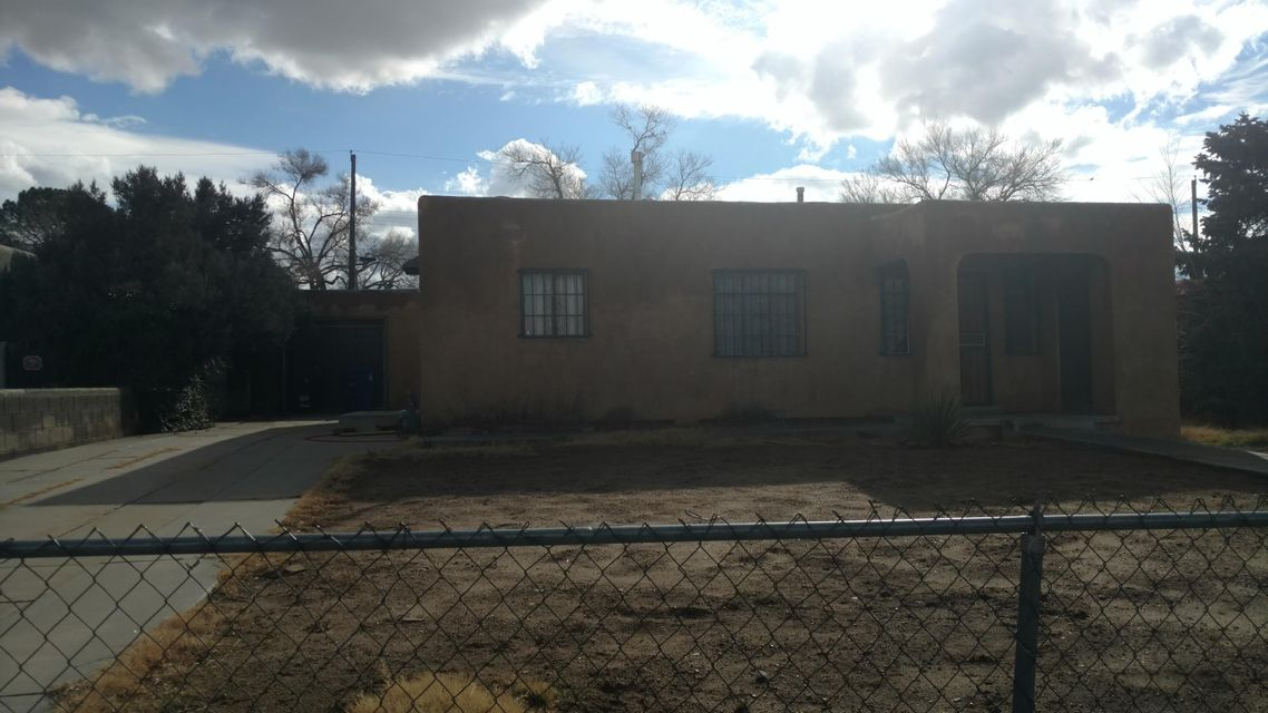 8110 Roma Avenue NE, Albuquerque, NM 87108