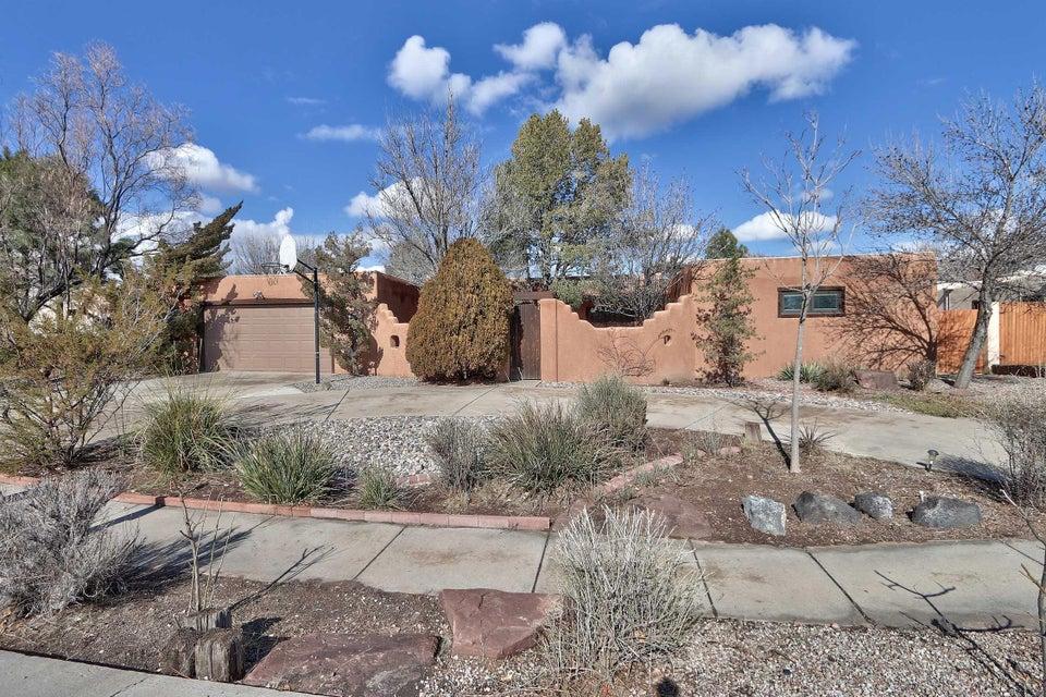 1511 Camino Ecuestre NW, Albuquerque, NM 87107