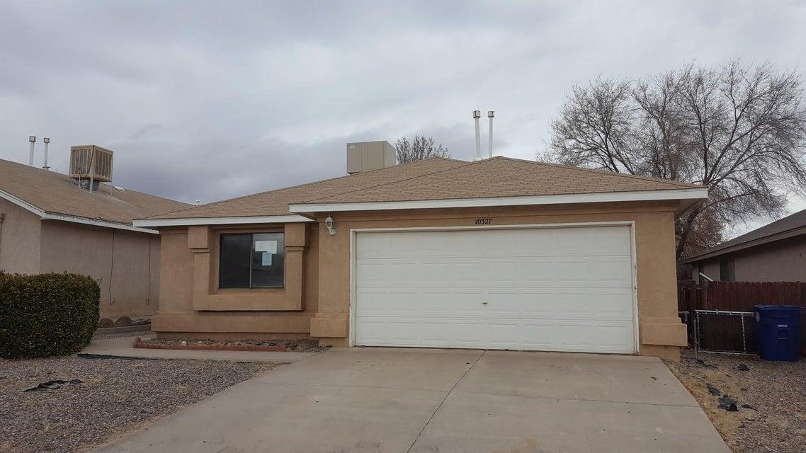 10327 Ongais Avenue SW, Albuquerque, NM 87121