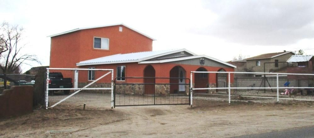 2736 MALPAIS Road SW, Albuquerque, NM 87105