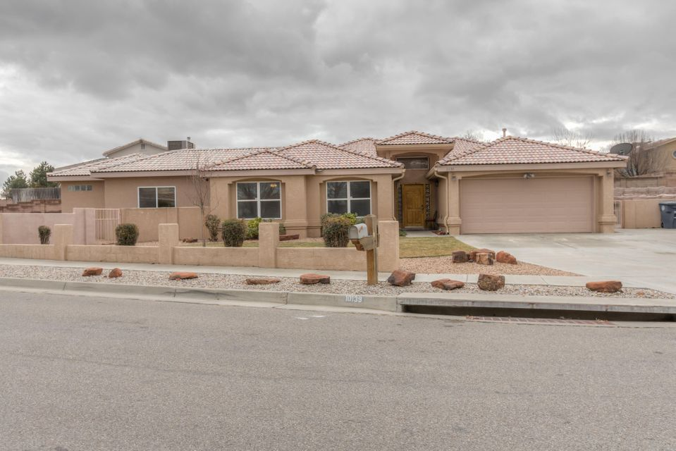 10139 Sierra Hill Drive NW, Albuquerque, NM 87114