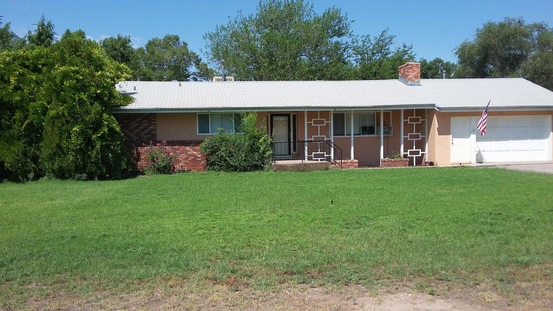 745 Green Acres Lane, Bosque Farms, NM 87068