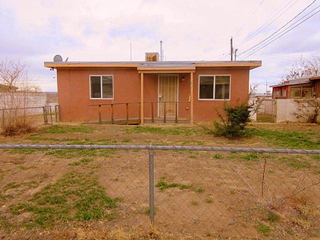2517 Sycamore Street SE, Albuquerque, NM 87106
