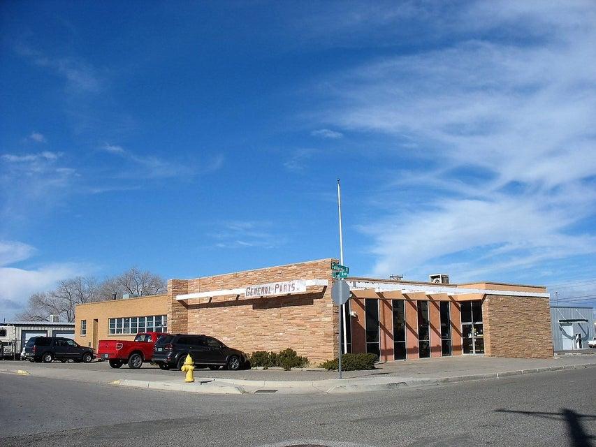 203 California Street NE, Albuquerque, NM 87108
