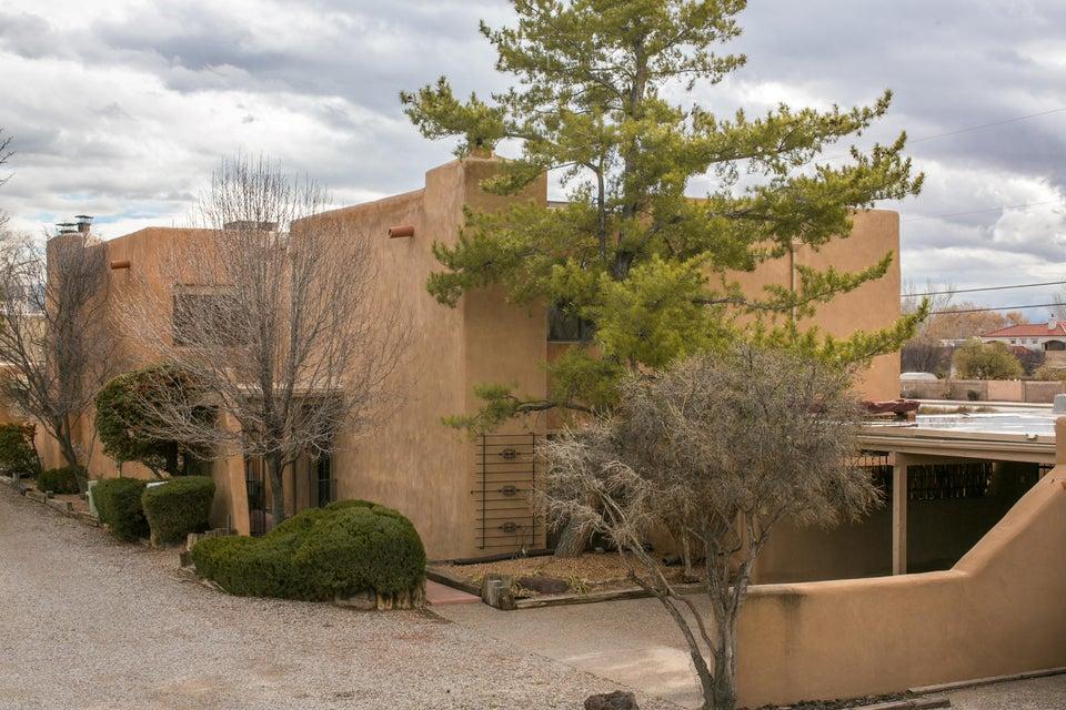 1016 Guadalupe Del Prado NW, Albuquerque, NM 87107