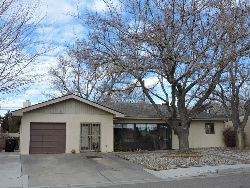 9525 Morrow Avenue NE, Albuquerque, NM 87112