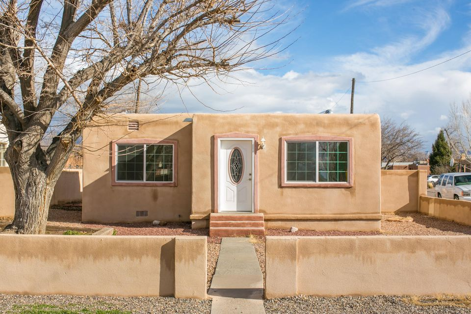 5302 9Th Street NW, Albuquerque, NM 87107